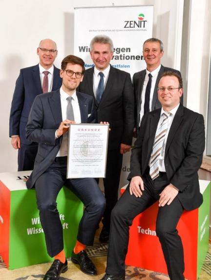 "Preisverleihung an des Forschungsprojekt ""DispoOffshore"" durch NRW-Wirtschaftsminister Prof. Dr. Andreas Pinkwart"